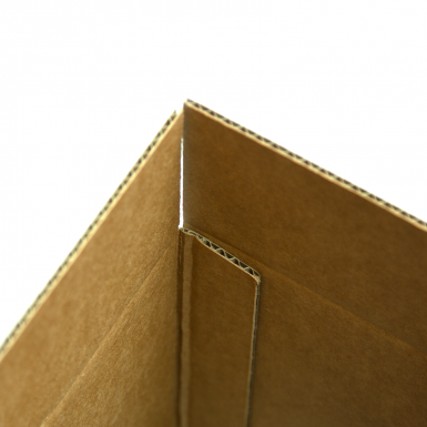 "Sturdy box construction with 1/8"" material thickness."