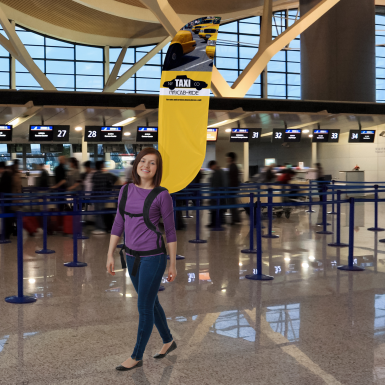 Use the Backpack Walking Bowflag® Convex to get attention in high-traffic areas indoors and outdoors.